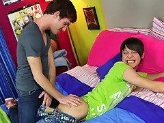 Beddableboys.com Bailey Todd And Trey Korbin Gay Porn Movie Gallery - Beautiful Beddable Boys!